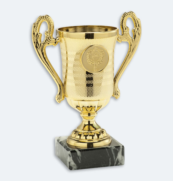Delden - Pokal i guld med svart marmorsockel och plats för motiv (24051)