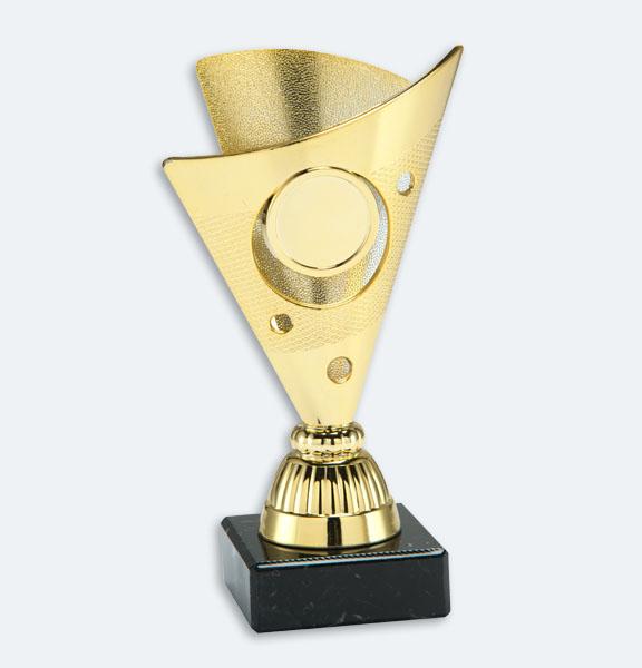 Kampen - Pokal/statyett i guld med plats för motiv och marmorsockel (24061)